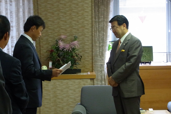 京都府庁へ訪問
