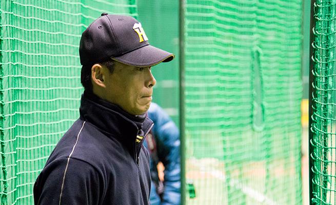 甲子園の室内練習場で行われた大学野球特別トレーニングの様子